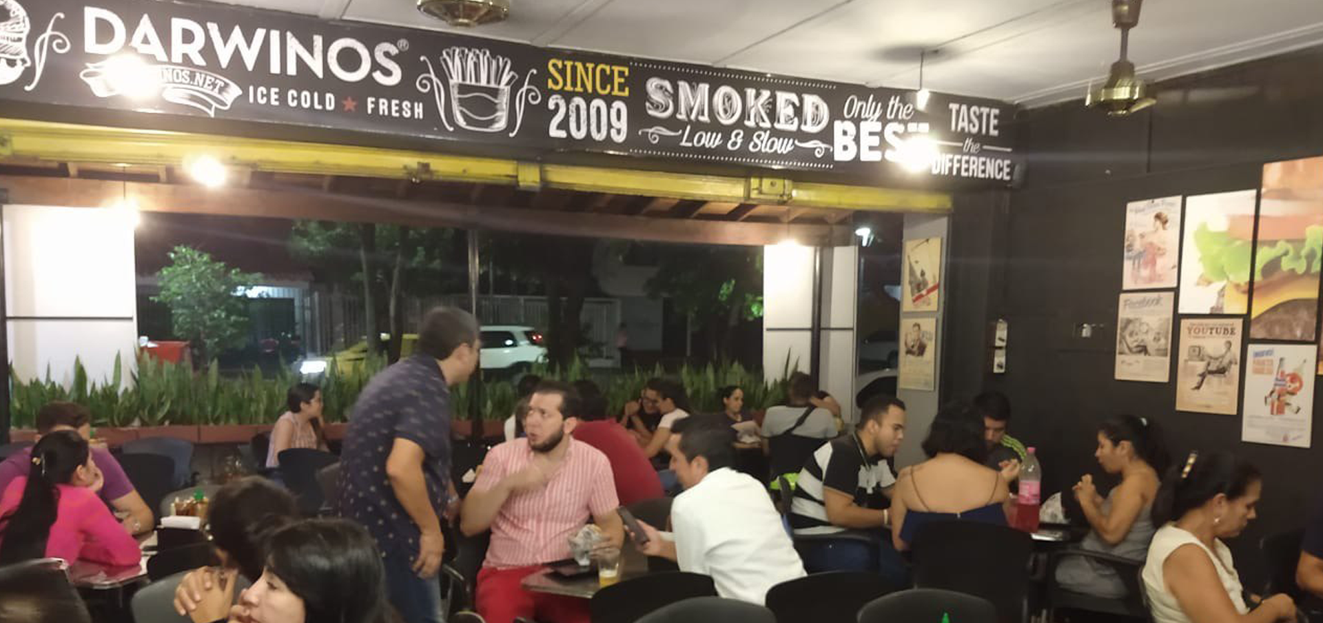 Darwinos Burger Joint Hosts Colombia's Second Point of Sale and Crypto ATM